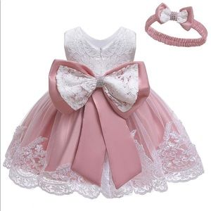 Other - Girl Lace dress w/detachable bow